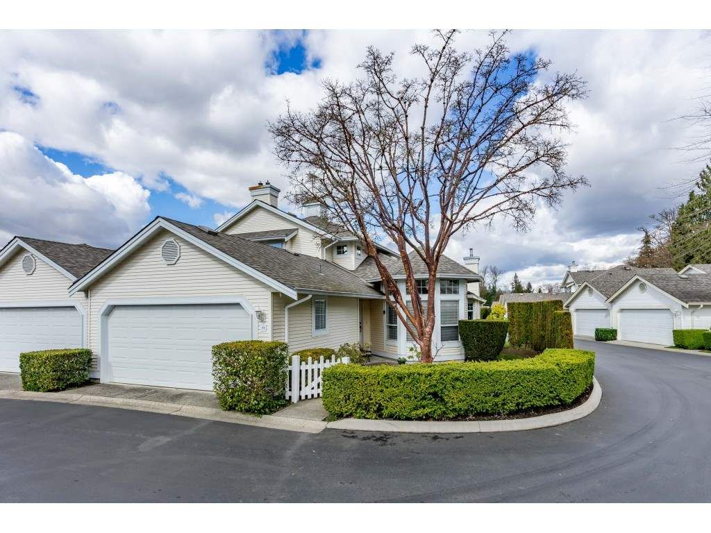 """Main Photo: 11 9208 208 Street in Langley: Walnut Grove Townhouse for sale in """"Church Hill Park"""" : MLS®# R2555317"""