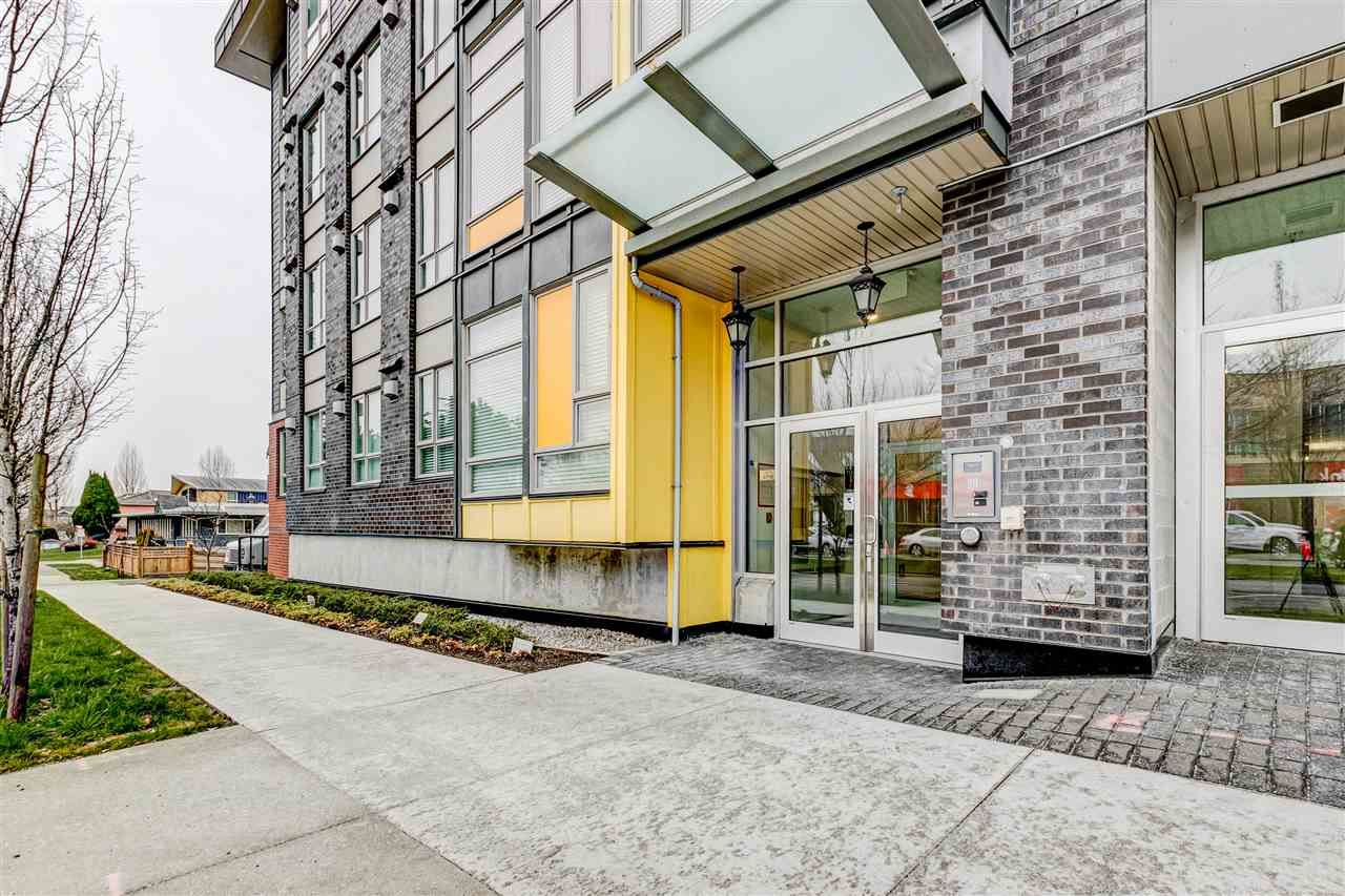 Main Photo: 319 2889 E 1ST Avenue in Vancouver: Renfrew VE Condo for sale (Vancouver East)  : MLS®# R2537968