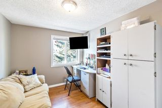 Photo 13: 155 Woodglen Grove SW in Calgary: Woodbine Row/Townhouse for sale : MLS®# A1068418