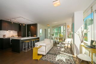 """Photo 6: 901 565 SMITHE Street in Vancouver: Downtown VW Condo for sale in """"VITA"""" (Vancouver West)  : MLS®# R2389668"""