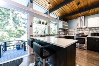 Main Photo: 445 MONTROYAL Boulevard in North Vancouver: Upper Delbrook House for sale : MLS®# R2606260