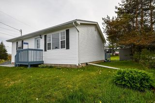 Photo 1: 105 Sandy Cove Road in Terence Bay: 40-Timberlea, Prospect, St. Margaret`S Bay Residential for sale (Halifax-Dartmouth)  : MLS®# 202113557