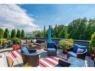 """Photo 16: 410 2242 WHATCOM Road in Abbotsford: Abbotsford East Condo for sale in """"~The Waterleaf~"""" : MLS®# R2372629"""