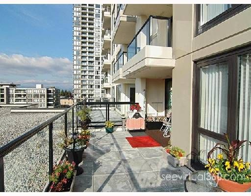 "Main Photo: 607 7063 HALL Avenue in Burnaby: VBSHG Condo for sale in ""Emerson"" (Burnaby South)  : MLS®# V696159"