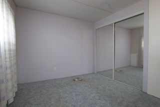 """Photo 2: 20 62780 FLOOD HOPE Road in Hope: Hope Center Manufactured Home for sale in """"LISMORE SENIORS COMMUNITY"""" : MLS®# R2206805"""