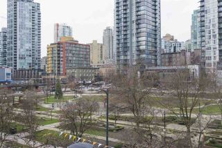 """Photo 13: 410 488 HELMCKEN Street in Vancouver: Yaletown Condo for sale in """"Robinson Tower"""" (Vancouver West)  : MLS®# R2239699"""
