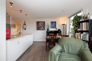 """Photo 12: 2301 3007 GLEN Drive in Coquitlam: North Coquitlam Condo for sale in """"Evergreen"""" : MLS®# R2558323"""