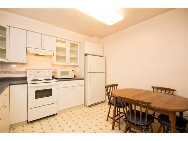 """Photo 5: Photos: 307 121 W 29TH Street in North Vancouver: Upper Lonsdale Condo for sale in """"SOMERSET GREEN"""" : MLS®# V1054924"""