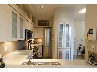 """Photo 6: THB 1207 MARINASIDE Crescent in Vancouver: Yaletown Townhouse for sale in """"The Peninsula"""" (Vancouver West)  : MLS®# V1046022"""