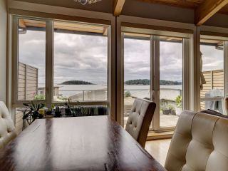 """Photo 14: 6498 WILDFLOWER Place in Sechelt: Sechelt District Townhouse for sale in """"Wakefield Beach - Second Wave"""" (Sunshine Coast)  : MLS®# R2589812"""
