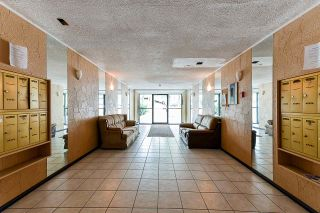 """Photo 3: 304 813 E BROADWAY in Vancouver: Mount Pleasant VE Condo for sale in """"BROADHILL MANOR"""" (Vancouver East)  : MLS®# R2314350"""