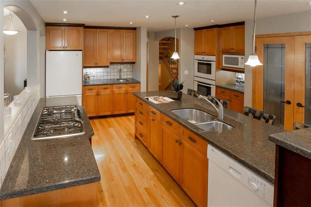 Photo 8: Photos: 23 Tiverton Bay in Winnipeg: River Park South Residential for sale (2F)  : MLS®# 202008374