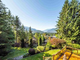 Photo 6: 40543 THUNDERBIRD Ridge in Squamish: Garibaldi Highlands House for sale : MLS®# R2404519