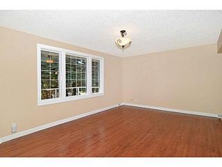 Photo 13: 70 CAMBRIAN Drive NW in Calgary: Bungalow for sale : MLS®# C3552954