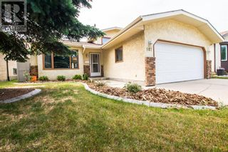 Photo 1: 107 Roberts Crescent in Red Deer: House for sale : MLS®# A1153963
