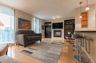 """Photo 2: 2603 969 RICHARDS Street in Vancouver: Downtown VW Condo for sale in """"Mondrian 2"""" (Vancouver West)  : MLS®# R2135133"""