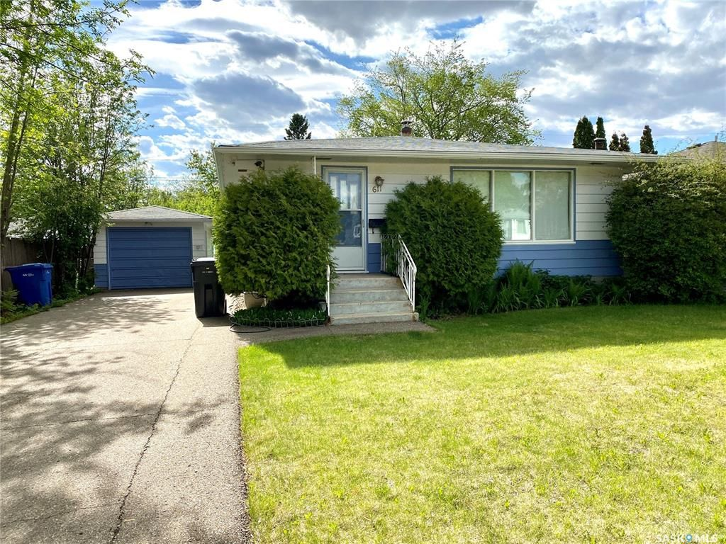 Main Photo: 611 103rd Street in North Battleford: Residential for sale : MLS®# SK858679