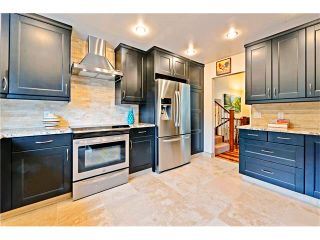 Photo 6: 2307 LANCING Avenue SW in Calgary: North Glenmore House for sale : MLS®# C4039562