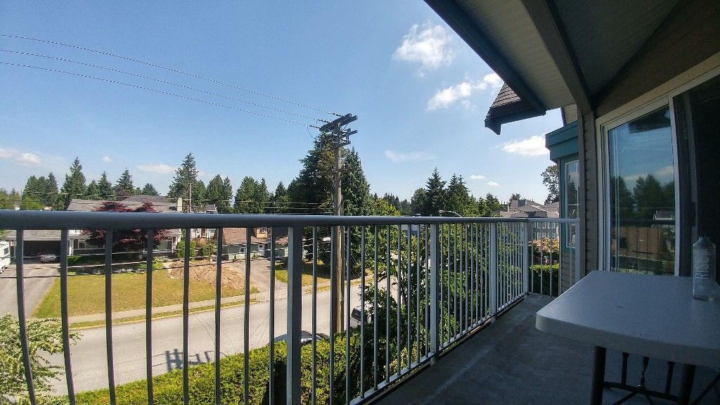 Main Photo: 313-15110 108 Ave in Surrey: Condo for rent