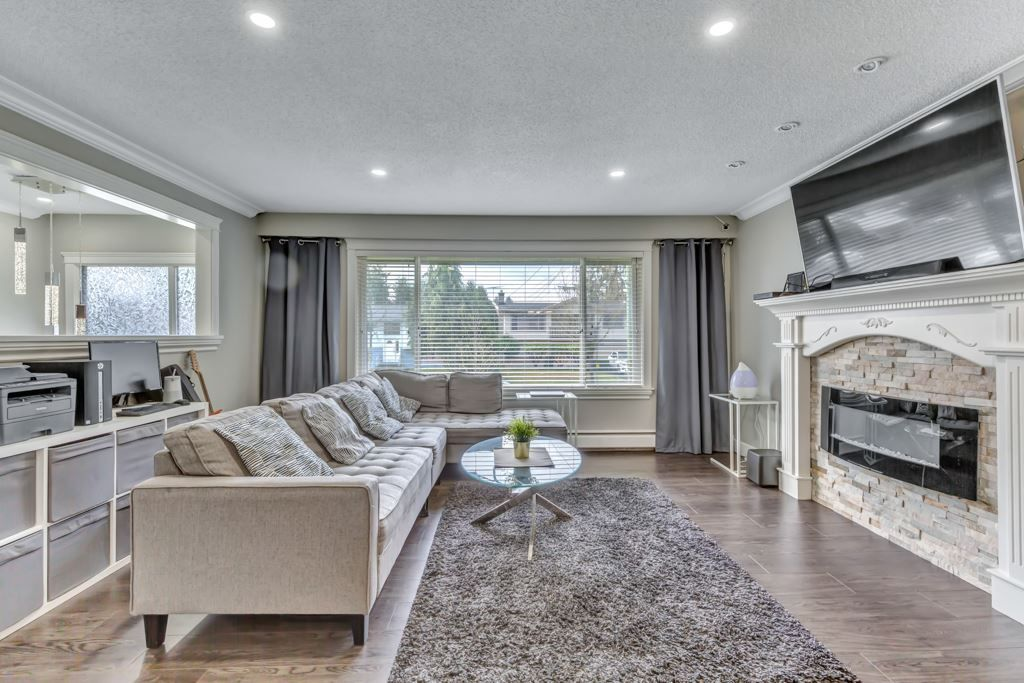 Main Photo: 14715 107A Avenue in Surrey: Guildford House for sale (North Surrey)  : MLS®# R2557485