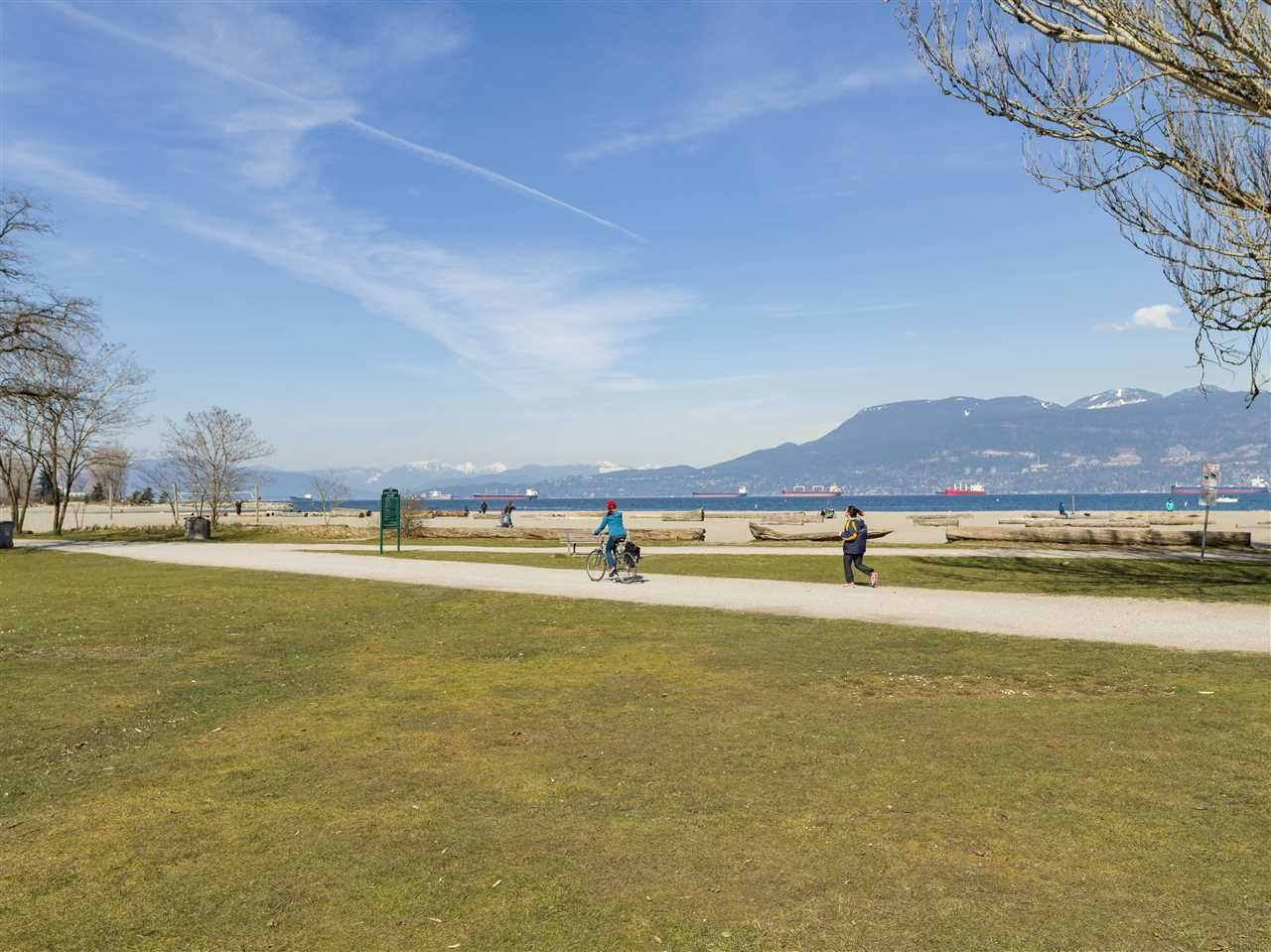 "Photo 12: Photos: 305 3875 W 4TH Avenue in Vancouver: Point Grey Condo for sale in ""Landmark Jericho"" (Vancouver West)  : MLS®# R2448457"