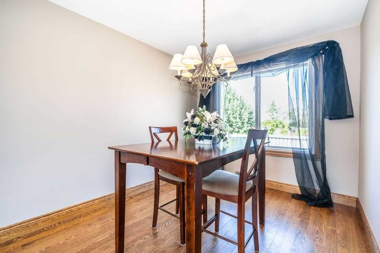 Photo 13: Photos: 26 East Lawn Street in Oshawa: Donevan House (Bungalow) for sale : MLS®# E4818284