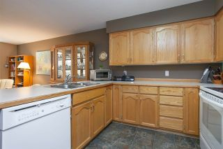 Photo 10: 312 11595 FRASER STREET in Maple Ridge: East Central Condo for sale : MLS®# R2050704
