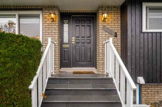 """Photo 2: 3776 VICTORY Street in Burnaby: Suncrest House for sale in """"SUNCREST"""" (Burnaby South)  : MLS®# R2500442"""