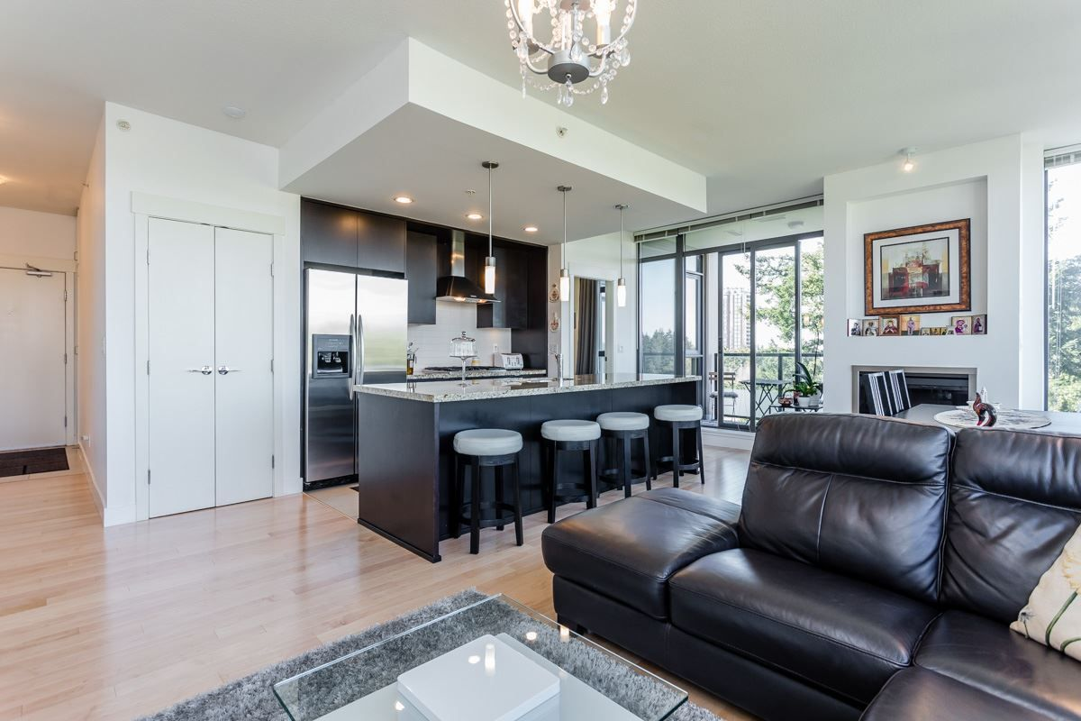"""Main Photo: 1202 7088 18TH Avenue in Burnaby: Edmonds BE Condo for sale in """"Park 360"""" (Burnaby East)  : MLS®# R2268314"""