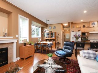 Photo 10: 1 3338 Whittier Ave in Saanich: SW Rudd Park Row/Townhouse for sale (Saanich West)  : MLS®# 841546
