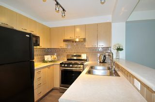 """Photo 7: 308 2968 SILVER SPRINGS Boulevard in Coquitlam: Westwood Plateau Condo for sale in """"TAMARISK"""" : MLS®# R2174996"""