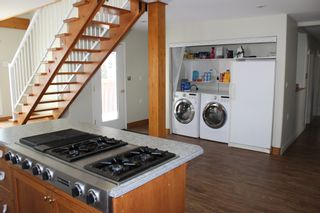 Photo 5: 625 10th Avenue: Montrose House for sale