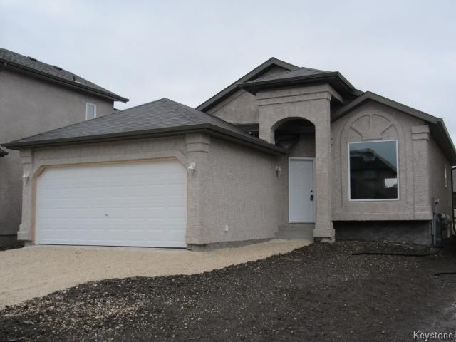 Main Photo: 103 Grassy Lake Drive in Winnipeg: Single Family Detached for sale (South Pointe)  : MLS®# 1316552