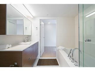 """Photo 9: 509 1635 W 3RD Avenue in Vancouver: False Creek Condo for sale in """"THE LUMEN"""" (Vancouver West)  : MLS®# V1026731"""