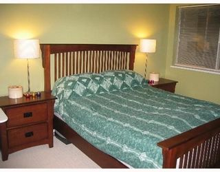 """Photo 6: 6820 RUMBLE Street in Burnaby: South Slope Condo for sale in """"GOVERNORS WALK"""" (Burnaby South)  : MLS®# V636813"""