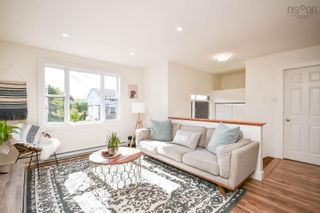 Photo 2: 128 Roy Crescent in Bedford: 20-Bedford Residential for sale (Halifax-Dartmouth)  : MLS®# 202125659