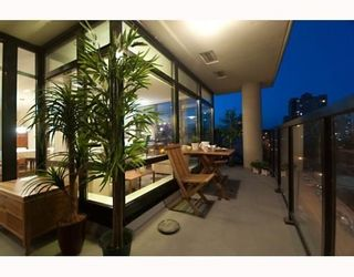 Photo 4: # 705 610 VICTORIA ST in New Westminster: Condo for sale : MLS®# V772287