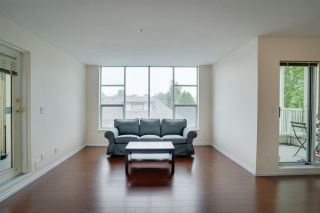 """Photo 3: 347 8300 GENERAL CURRIE Road in Richmond: Brighouse South Townhouse for sale in """"CAMELIA GARDEN"""" : MLS®# R2581349"""