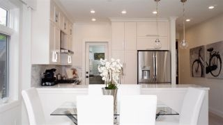 """Photo 7: 1836 W 12TH Avenue in Vancouver: Kitsilano Townhouse for sale in """"THE FOX HOUSE"""" (Vancouver West)  : MLS®# R2215498"""