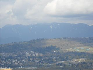 """Photo 9: 2301 6521 BONSOR Avenue in Burnaby: Metrotown Condo for sale in """"SYMPHONY 1"""" (Burnaby South)  : MLS®# V885133"""