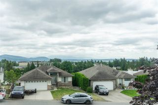 """Photo 10: 7947 TOPPER Drive in Mission: Mission BC House for sale in """"College Heights"""" : MLS®# R2381617"""