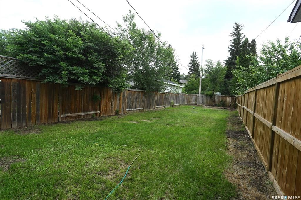 Photo 44: Photos: 131B 113th Street West in Saskatoon: Sutherland Residential for sale : MLS®# SK778904