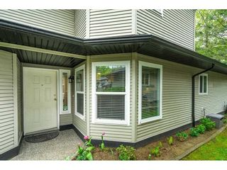 """Photo 3: 88 36060 OLD YALE Road in Abbotsford: Abbotsford East Townhouse for sale in """"MOUNTAIN VIEW VILLAGE"""" : MLS®# R2574310"""