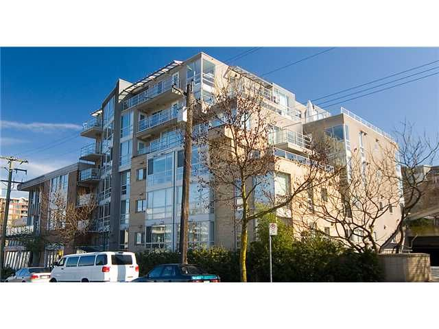 "Main Photo: 704 1818 W 6TH Avenue in Vancouver: Kitsilano Condo for sale in ""CARNEGIE"" (Vancouver West)  : MLS®# V924577"