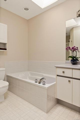 Photo 14: 2290 Amherst Ave in : Si Sidney North-East Half Duplex for sale (Sidney)  : MLS®# 876886