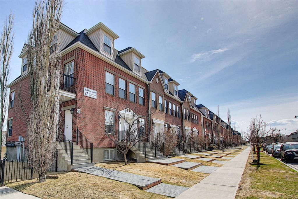 Chic looking Brownstone townhouses; welcome to your new home at #11, 27  Springborough Blvd in Springbank Hill.