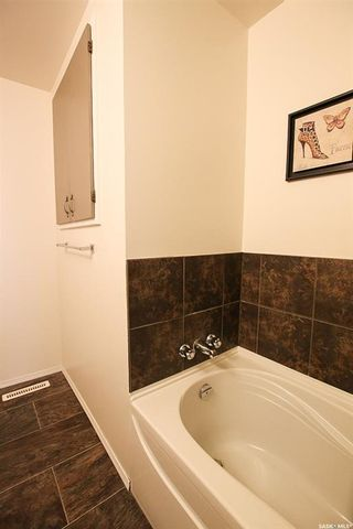 Photo 6: 621 2nd Avenue Southeast in Swift Current: South East SC Residential for sale : MLS®# SK771633