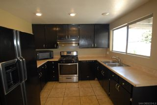 Photo 4: SANTEE House for sale : 3 bedrooms : 9440 Dempster Dr