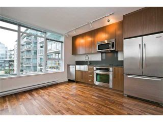 """Photo 3: 611 250 E 6TH Avenue in Vancouver: Mount Pleasant VE Condo for sale in """"THE DISTRICT"""" (Vancouver East)  : MLS®# V1025038"""