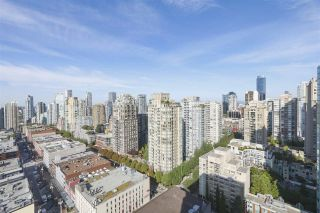 """Photo 3: 2609 977 MAINLAND Street in Vancouver: Yaletown Condo for sale in """"YALETOWN PARK 3"""" (Vancouver West)  : MLS®# R2398459"""